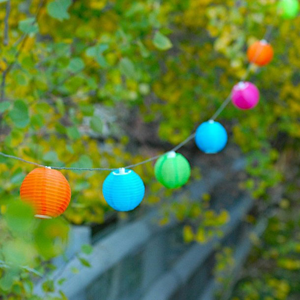 Set Of 10 Outdoor Solar String Lights   Tropical Colors