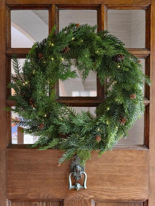 Outdoor Safe Pre Lit Cedar Pine Wreath