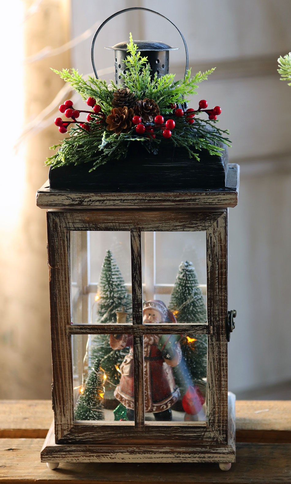 Battery Operated Lighted Wood Lantern Santa Clause Christmas Scene 15 25 Inch