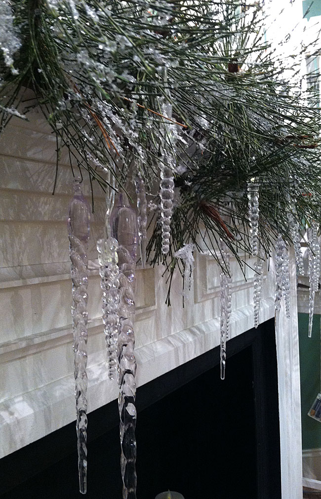 Battery Operated Led Icicle String Lights 5 Feet