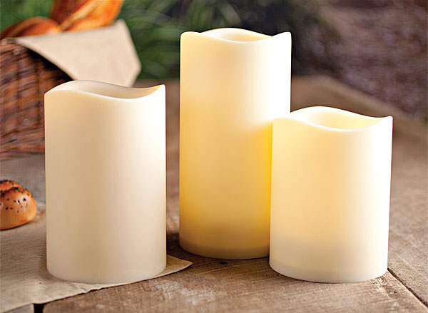 Set of 3 outdoor 4 5 inch diameter flameless candles for Large outdoor christmas candles