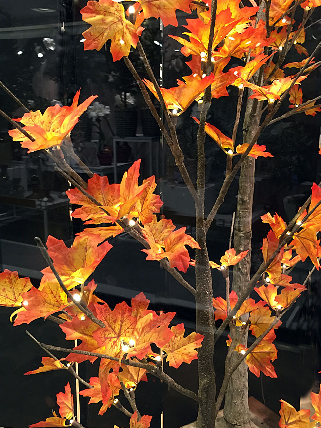 6 Foot Led Maple Tree 72 Lights For Use Indoors And