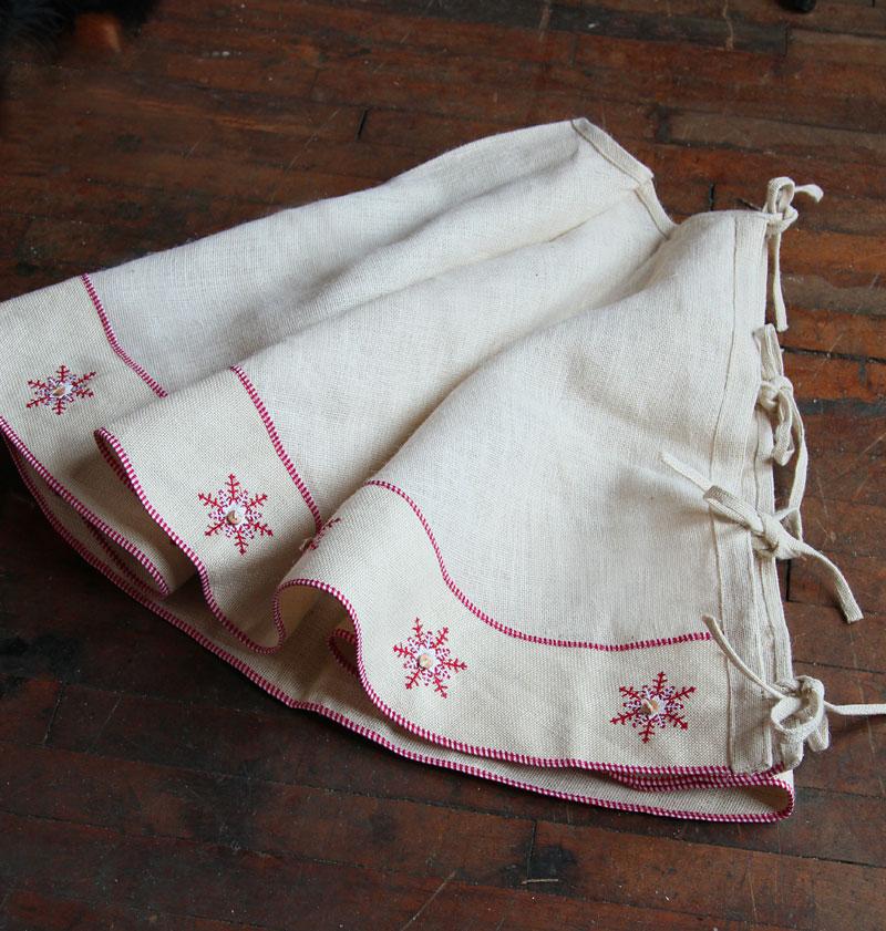 Natural Burlap Jute Christmas Tree Skirt - Snowflakes - 48 Inch ...
